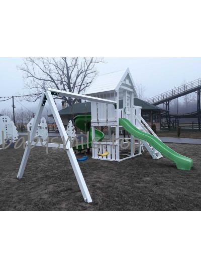 Детская площадка из дерева с двумя горками