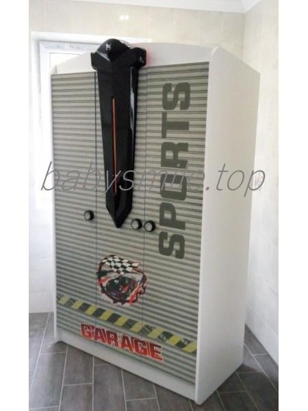 Шафа три-дверна з серії Автомобільні пристрасті