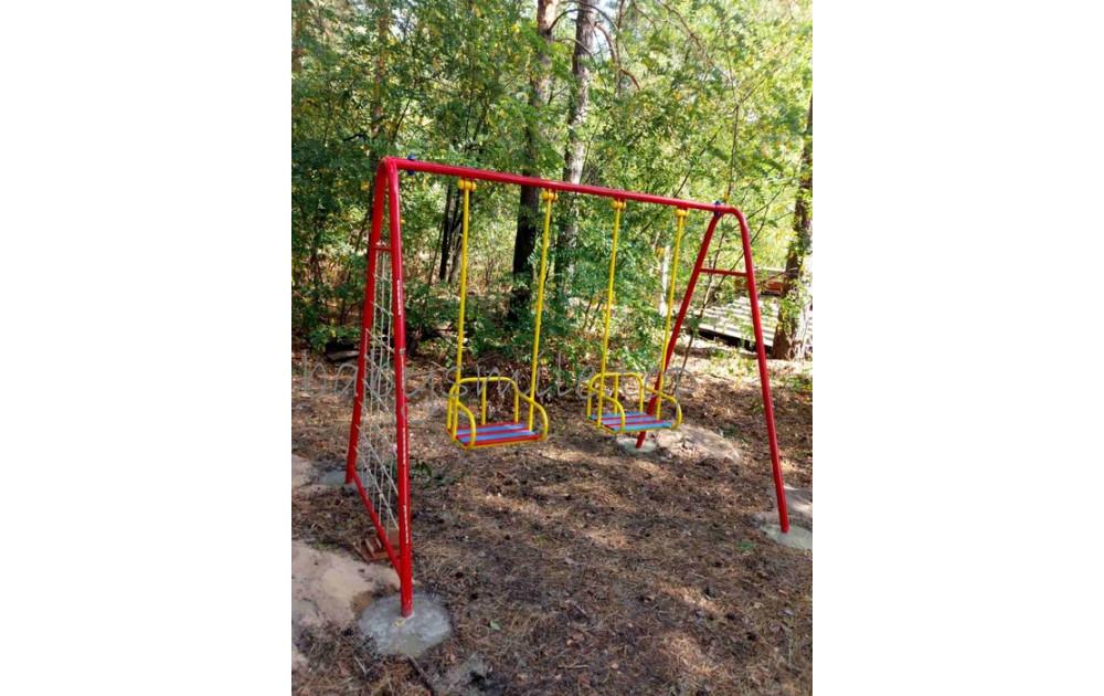 Качели для детской площадки - любимый игровой элемент