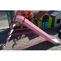 Детская горка с металлической лестницей