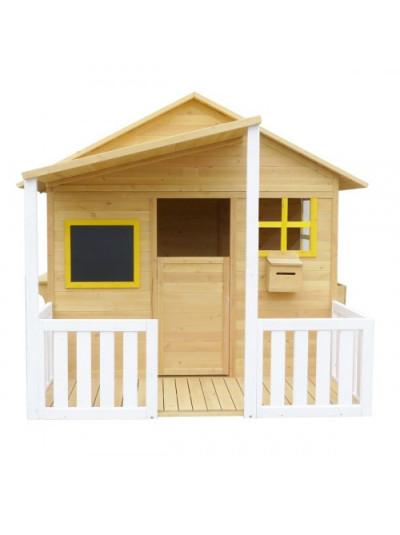 Дерев'яний дитячий будиночок з верандою