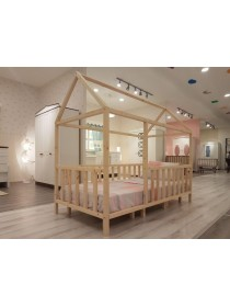 Кровать детская в виде домика