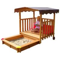 Деревянный домик-веранда с песочницей