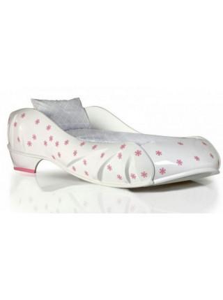 Кровать-туфелька для девочки белая